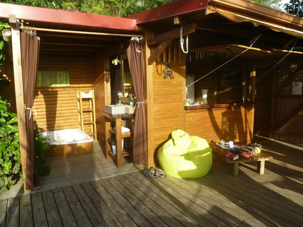 cabane dans les arbres louer deshaies ali na s guadeloupe. Black Bedroom Furniture Sets. Home Design Ideas